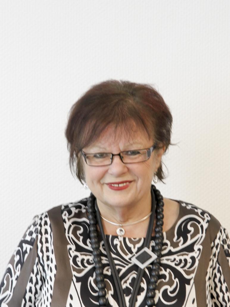 Dr. Hana Sejkora-Figgen